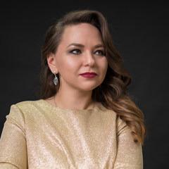 Наташа Евлюшина