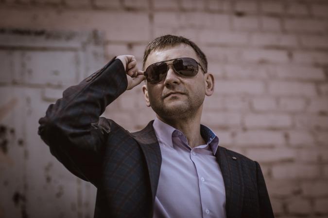 Антон Алеев