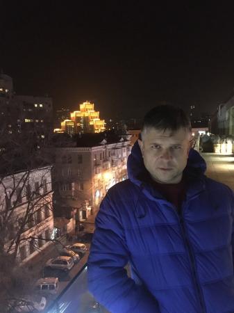 Виктор Руксов