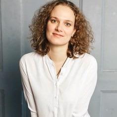 Юлия Светлакова